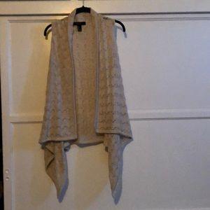 sweater/cardigan vest